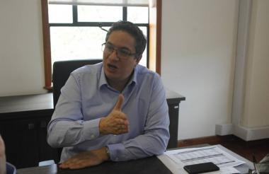 Santiago Rojas, director de la Dian,