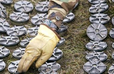 Recolección de minas por parte del Ejército nacional.