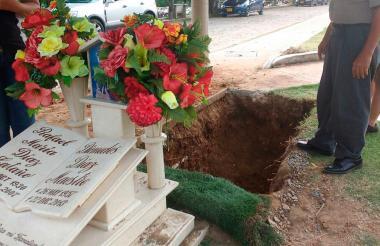 Este sábado estaba casi listo el terreno donde será sepultado el fallecido cantante Martín Elías Díaz Acosta.