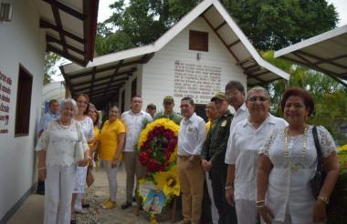 En Aracataca brindan una ofrenda floral en honor a Gabriel García Márquez.