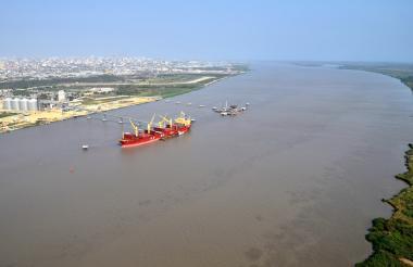 """El calado autorizado en Bocas es de 8,3 metros, mientras que en Las Flores y Puente """"Pumarejo"""" de 8,0 metros."""