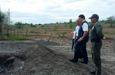 El coordinador de Atención y Prevención de Desastres de Córdoba, Fabián Lora Méndez, en la zona del volcán de Puerto Escondido.