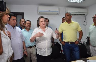 La ministra de Trabajo, Clara López, durante la instalación de la mesa de concertación en Barranquilla.