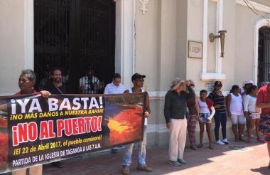 Tagangueros durante la protesta de este sábado.