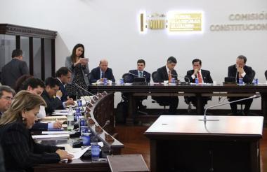 Aspecto del debate político en Comisión Primera.