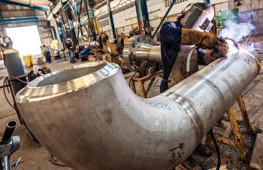 Trabajadores de una empresa del sector metalmecánico de Barranquilla.