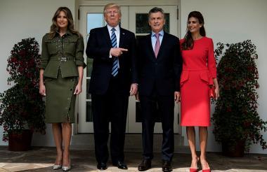 El presidente Donald Trump y su colega de Argentina Mauricio Macri, acompañados de las primeras damas Melania Trump y Juliana Awada.