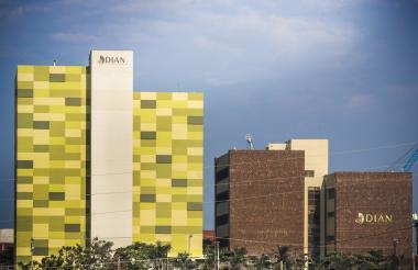 Fachada del nuevo edificio de la Dian en Barranquilla, en la Zona Franca.