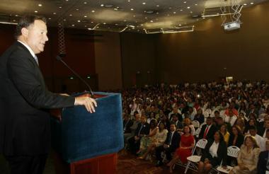 Juan Carlos Varela, presidente de Panamá, en una fotografía publicada en su cuenta de Twitter.