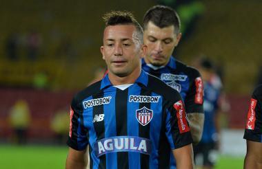 Se repitió la escena. Los jugadores de Junior retirándose con el rostro de la derrota.