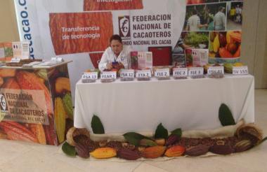 Puesto de la Federación Nacional de Cacoteros en el simposio Cacao para la paz.