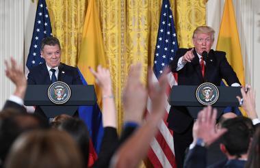 Presidentes Juan Manuel Santos (Colombia) y Donald Trump (EEUU), en la Oficina Oval.