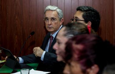 El senador Álvaro Uribe en la audiencia de conciliación de este viernes en Bogotá.