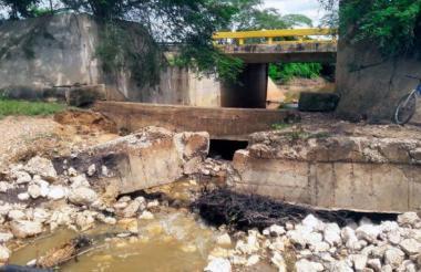 Puente ubicado entre Puerto Giraldo y Campo de la Cruz.