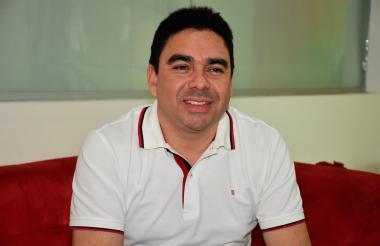 Carlos Rosado.