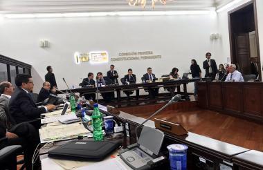 Comisión Primera del Senado durante aprobación del acto legislativo.