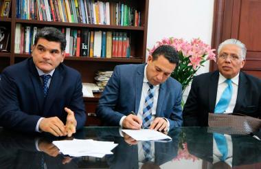 Juan Eljach, Laureano Acuña y William Rapalino.