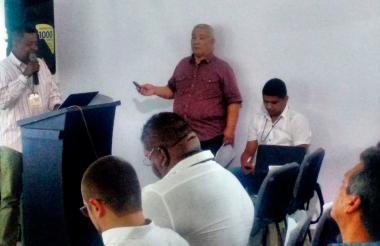 El comandante Tomás Ojeda durante su intervención esta mañana en un foro sobre construcción de paz, en Montería.