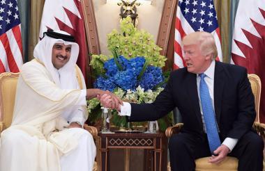 El pasado 21 de mayo el presidente Trump se estrechó la mano con el Emir de Catar, el jeque Tamim Bin Hamad Al-Thani, en Arabia Saudita.