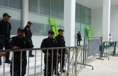 Operativo del Esmad en la Unidad de Reacción Inmediata de la Fiscalía.