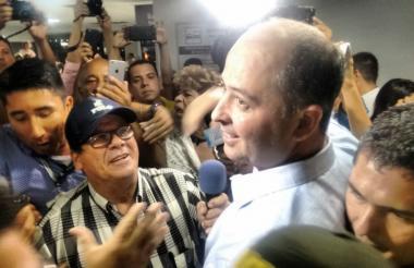 Marcos Daniel Pineda al llegar al aeropuerto de Montería.
