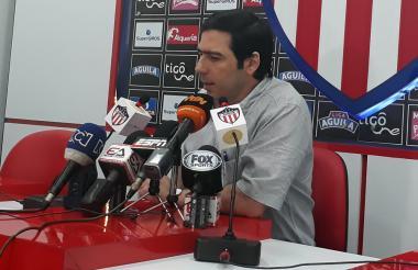 Antonio Char, presidente de Junior durante una rueda de prensa.