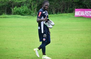 Yimmi Chará  luce feliz en sus primeros entrenamientos con el Junior.