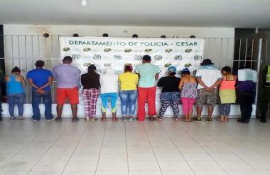 Grupo de detenidos.