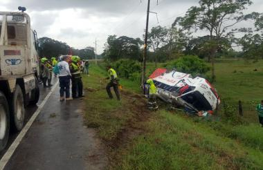 Al menos 10 heridos dejó un accidente de tránsito este martes en la vía Bayunca – Santa Rosa.