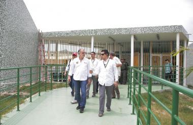 El gobernador Eduardo Verano recorrió el CDI de Campo de la Cruz que será operado por la fundación Sembrando Esperanza.