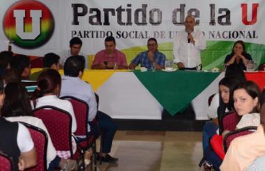 Una asamblea del Partido de La U en Barranquilla, con presencia de Roy Barreras.