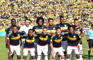 Jugadores de la selección Colombia durante el juego ante Ecuador, por las Eliminatorias a Rusia 2018.