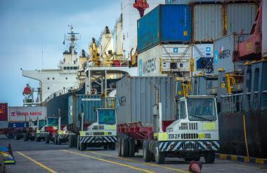 Transporte de carga realizado desde el Puerto de Barranquilla.