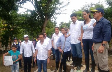 Autoridades nacionales y de Córdoba inspeccionan la zona de la emergencia.