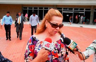 La exrectora Silvia Gette Ponce, a la salida de una audiencia en el Centro de Servicios Judiciales.