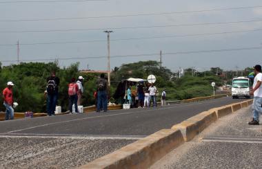 Sector de el puente de La Cordialidad donde al parecer se suben los atracadores.