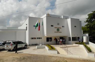 La estación de Policía.
