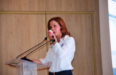 María Claudia Lacouture cuando se despedía de su cargo, en medio de lágrimas, en su natal Santa Marta.