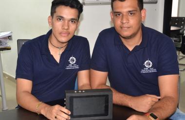 Jhonathan David De la Hoz Granados y Luis Alberto Mindiola González, creadores de la plataforma.