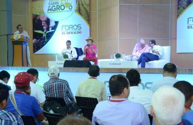 El debate Caribe Agro en Sincelejo se desarrolló en el Auditorio Fortunato Chadid de la Gobernación de Sucre.