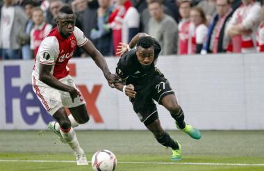 Dávinson Sánchez disputó la final de la Europa League en la temporada pasada con el Ajax.