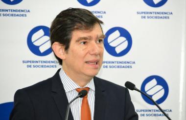 Francisco Reyes.