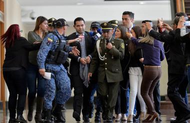 El abogado Leonardo Luis Pinilla es llevado a la Corte Suprema de Justicia para su declaración.