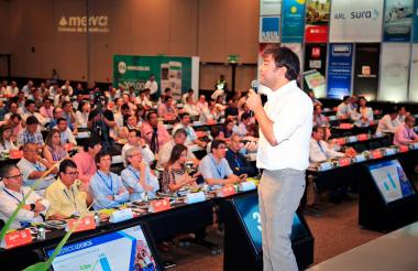 El ministro de Vivienda, Jaime Pumarejo, en su intervención ante los afiliados de Camacol.