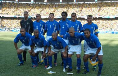 Selección Brasil en el 'Metro'. Arriba: Dida, Gilberto Silva, Lucio, Roque Junior, Rivaldo y Cafú. Abajo: Ronaldo, Ze Roberto, Roberto Carlos, Álex y Émerson.