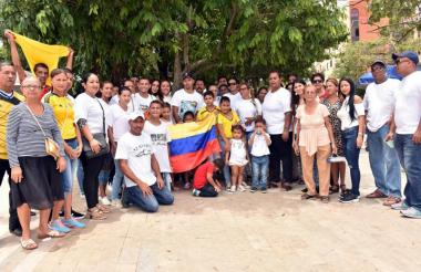 Familiares se congregaron en la Plaza de la Paz.