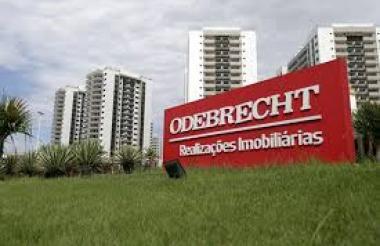 Odebrecht pagó sobornos a funcionarios del gobierno para obtener contratos de grandes recursos.