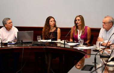 De izquierda a derecha; Gustavo Pacheco, Laura Cepeda, Maria José Vengoechea y Ricardo Plata.