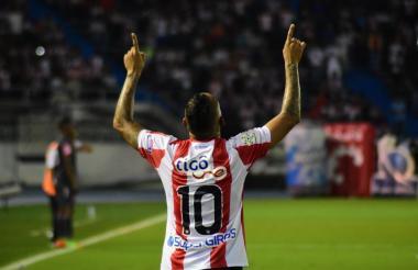 Jarlan Barrera celebrando el primer gol de Junior.