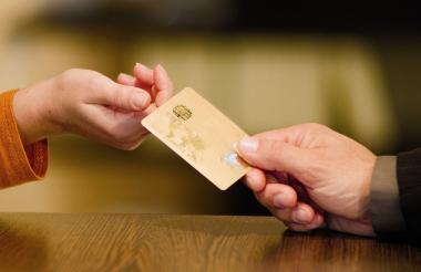 Aumentó el uso de las tarjetas de crédito.